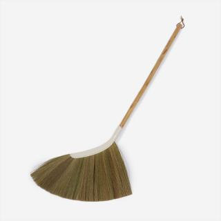 SWEEPY GRASS BROOM